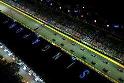 Départ : Sebastian Vettel, Ferrari SF15-T mène