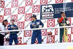 Podio: il vincitore Nelson Piquet, Benetton, secondo Roberto Moreno, Benetton, terzo Aguri Suzuki, Larrousse