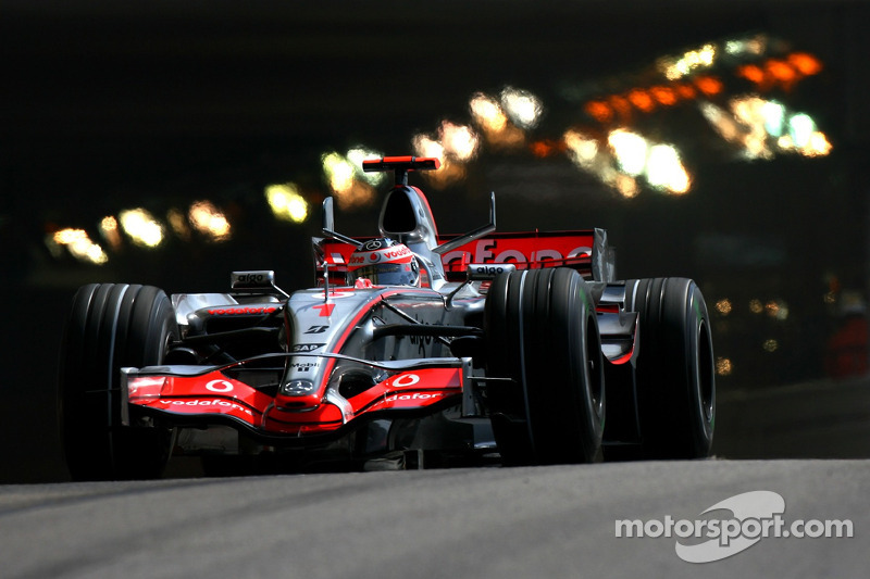 #1: Fernando Alonso, McLaren-Mercedes MP4-22