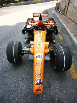 Adrian Sutil, Spyker F1 Team, car after his crash