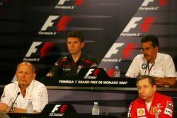 Пресс-конференция FIA: Жан Тодт, глава команды Scuderia Ferrari, Рон Деннис руководитель команды McLaren, Марио Тиссен, BMW Sauber F1 Team, и Ник Фрай, глава Honda Racing F1