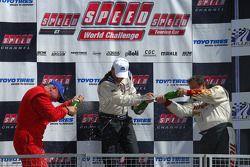 Célébration Podium : le vainqueur Tommy Archer, seconde place Lou Gigliotti, et troisième place Doug Peterson
