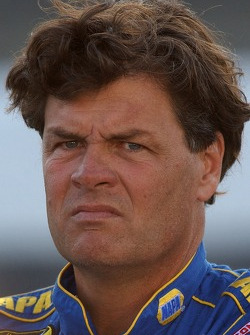 Michael Waltrip failed to qualify again