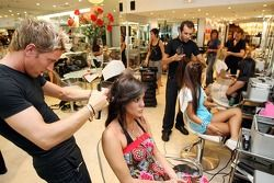 Formula Unas girls visit a beauty salon: Estefania Bejarano
