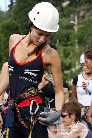 Formula Unas girls in a mountain climbing expedition: Tahnee Frijters