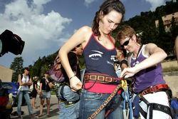 Formula Unas girls in a mountain climbing expedition: Daniel Garcia