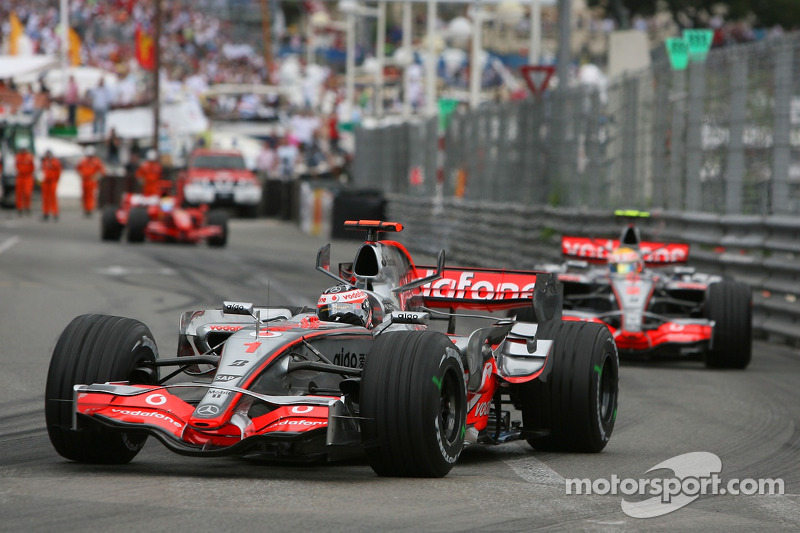 Fernando Alonso, McLaren Mercedes, MP4-22, Lewis Hamilton, McLaren Mercedes, MP4-22 ve Felipe Massa,
