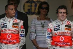 Podio: ganador de la carrera Fernando Alonso con el segundo lugar Lewis Hamilton
