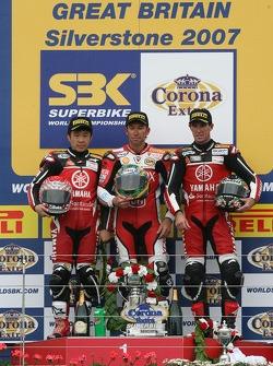 Noriyuki Haga, Troy Bayliss, Troy Corser sur le podium