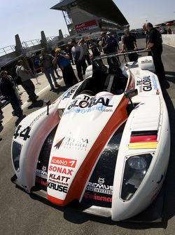 Kruse Motorsport Pescarolo Judd devant les vérifications techniques