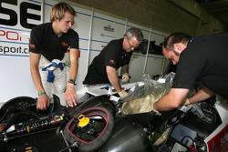 Norbert Siedler avec les membres d'équipe Kruse Motorsport