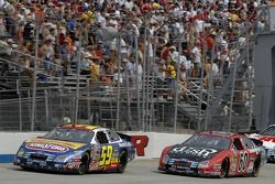 Marcos Ambrose et Carl Edwards