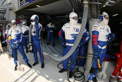 Membres d'équipe Team Peugeot Total