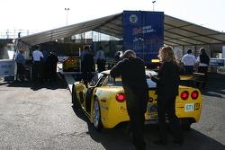 Corvette Racing Corvette aux vérifications techniques