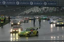 #1 Manthey Racing Porsche 911 GT3 RSR: Timo Bernhard, Marc Lieb, Romain Dumas, Marcel Tiemann devant