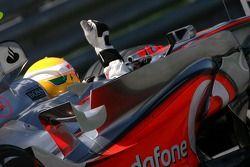 Lewis Hamilton, McLaren Mercedes celebra su primera pole position