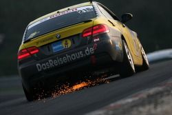#216 Black Falcon BMW 392 C: Heiko Hedemann, Ralf Willems, Martin Elzer, Evaldo Ghaleb in trouble