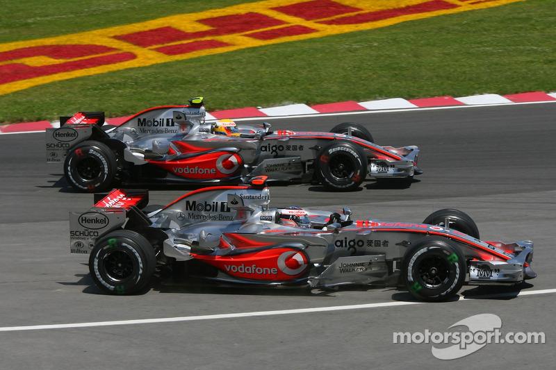 Arrancada Lewis Hamilton, McLaren Mercedes, MP4-22 y Fernando Alonso, McLaren Mercedes, MP4-22
