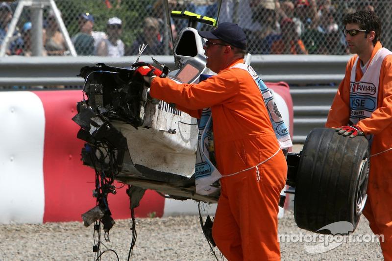 Robert Kubica, BMW Sauber F1 Team, F3.07, kaza yapıyor very heavily race