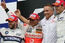 Sieger Lewis Hamilton, McLaren Mercedes, MP4-22, 2. Nick Heidfeld, BMW Sauber F1 Team, F1.07, 3. Ale
