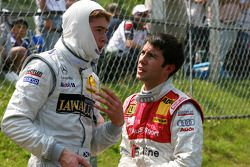 Paul di Resta and Mike Rockenfeller chat after accident