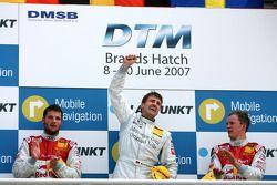 Podium: le vainqueur Bernd Schneider, seconde place Martin Tomczyk, troisième place Mattias Ekström