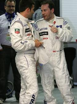 L'équipe Peugeot Total fête la pole position provisoire de Stéphane Sarrazin