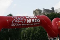 Bannière pour les 24 Heures du Mans