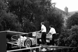 Audi Sport North America Audi R10 se dirigeant vers le circuit