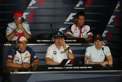Jarno Trulli, Toyota Racing avec Takuma Sato, Super Aguri F1, Heikki Kovalainen, Renault F1 Team, Robert Kubica, BMW Sauber F1 Team et Scott Speed, Scuderia Toro Rosso. Lewis Hamilton, McLaren Mercedes manquait en raison du retard de son avion