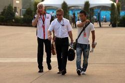 Takuma Sato, Super Aguri F1 arrives, track ve reads Red Bulletin