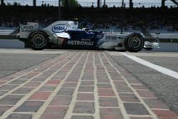 Feature at Start / Finish Line, Sebastian Vettel, Test Driver, BMW Sauber F1 Team, F1.07