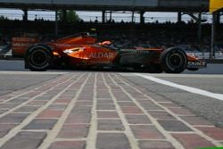 Feature at Start / Finish Line, Christijan Albers, Spyker F1 Team, F8-VII