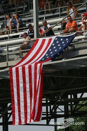 USA taraftarları ve flag