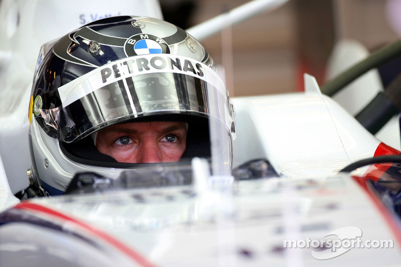 Sebastian Vettel, Test Driver, BMW Sauber F1 Team, Pitlane, Box, Garage