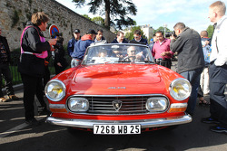 Peugeot 404 for the parade