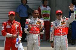 Фелипе Масса, Scuderia Ferrari, обладатель поула - Льюис Хэмилтон, McLaren Mercedes и Фернандо Алонс