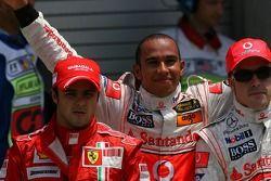 Felipe Massa, Scuderia Ferrari con Lewis Hamilton, McLaren Mercedes ganador de la pole position y Fe