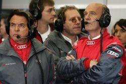 Reinhold Joest et Dr. Wolfgang Ullrich après l'accident de la voiture #2