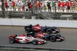 Takuma Sato, Super Aguri F1 along side Vitantonio Liuzzi, Scuderia Toro Rosso ve Scott Speed, Scuder