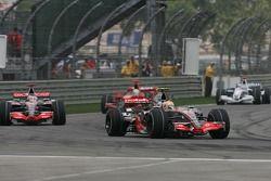 Lewis Hamilton, McLaren Mercedes, MP4-22, Fernando Alonso, McLaren Mercedes, MP4-22
