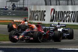 Vitantonio Liuzzi, Scuderia Toro Rosso, STR02, Alexander Wurz, Williams F1 Team, FW29, Adrian Sutil,