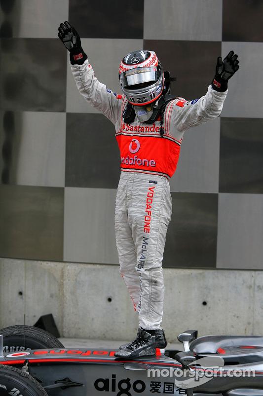 Segundo lugar Fernando Alonso, McLaren Mercedes