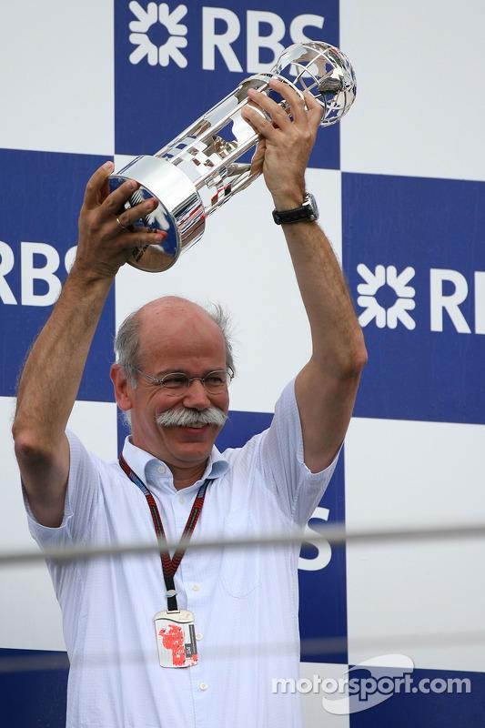 Dr. Dieter Zetsche, presidente de Daimler