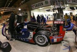 #55 Team Oreca Saleen S7R dans le garage