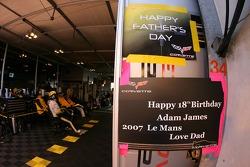 Message dans le garage Corvette