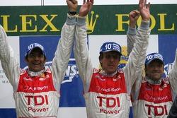 Podium LMP1: les vainqueurs Marco Werner, Frank Biela, Emanuele Pirro