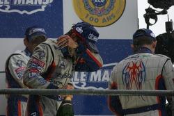 Podium LMP1: champagne pour Emmanuel Collard, Jean-Christophe Boullion et Romain Dumas