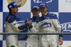 Podium LMP2: seconde place Adrian Fernandez, Haruki Kurosawa, Robbie Kerr