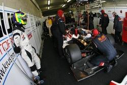 Jean De Pourtales dans le stand Kruse Motorsport